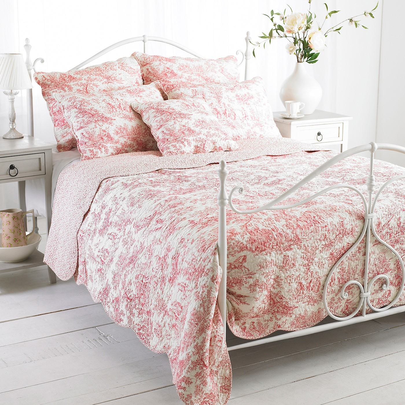 French Vintage Toile Luxury 100 Cotton Quilted Bed Throw